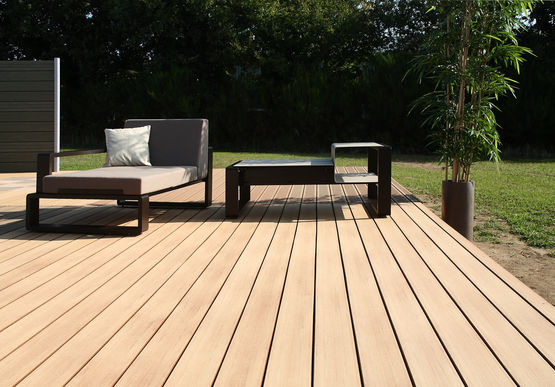 Lame De Terrasse En Bois Composite En 2 Coloris Lame Emotion