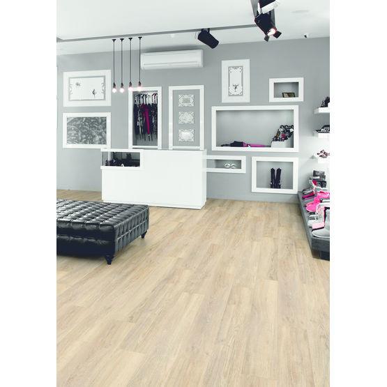 lames de sol pvc en 22 d cors bois et pierre id inspiration click tarkett france. Black Bedroom Furniture Sets. Home Design Ideas