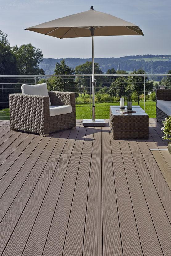 lames de terrasse ext rieure en composite essentielle caract re deceuninck. Black Bedroom Furniture Sets. Home Design Ideas