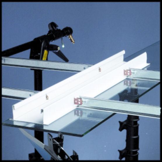 Lisse plate en quatre largeurs pour plafonds suspendus for Accessoire plafond suspendu