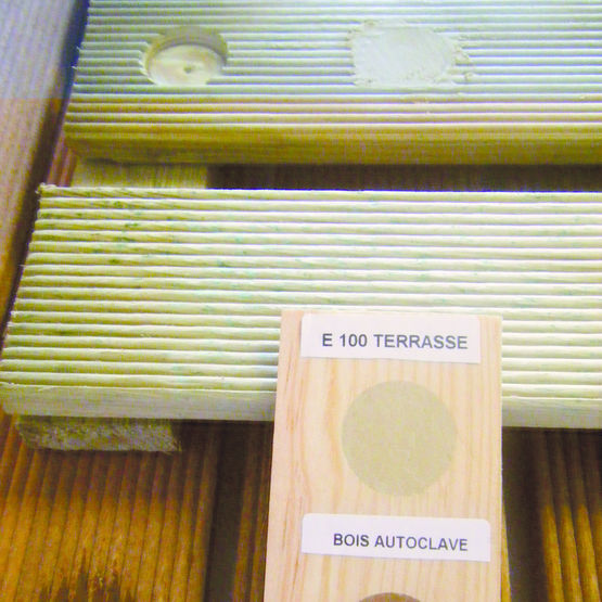 mastic de finition pour terrasse en bois wood mastic. Black Bedroom Furniture Sets. Home Design Ideas