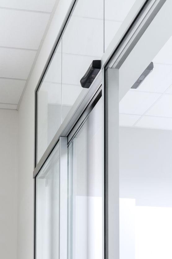 Mécanisme Invisible Pour Porte Coulissante Automatique à Grands Vantaux |  Slimdrive SL NT