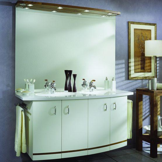 Meubles de salle de bains en mdf laqu et teck burgbad for Laquer un meuble en mdf