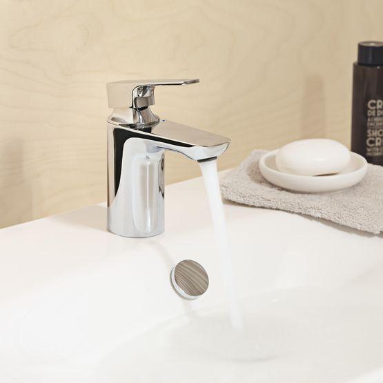 mitigeur lavabo avec flexibles d alimentation tournants batiproduits. Black Bedroom Furniture Sets. Home Design Ideas
