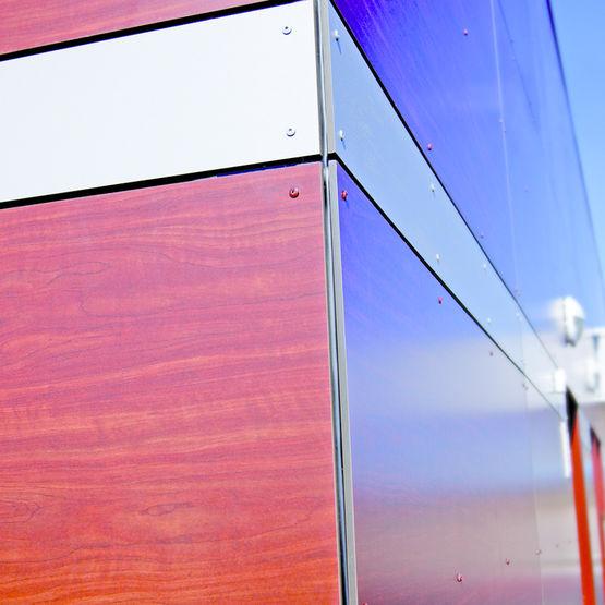 Panneau stratifi compact pour bardage ext rieur for Panneau de facade composite