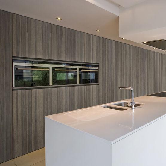 panneaux d coratifs en bois avec placage d 39 essences fines. Black Bedroom Furniture Sets. Home Design Ideas