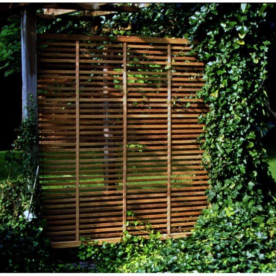 pare vue en lattes de bois exotique isaura collstrop groupe gras. Black Bedroom Furniture Sets. Home Design Ideas