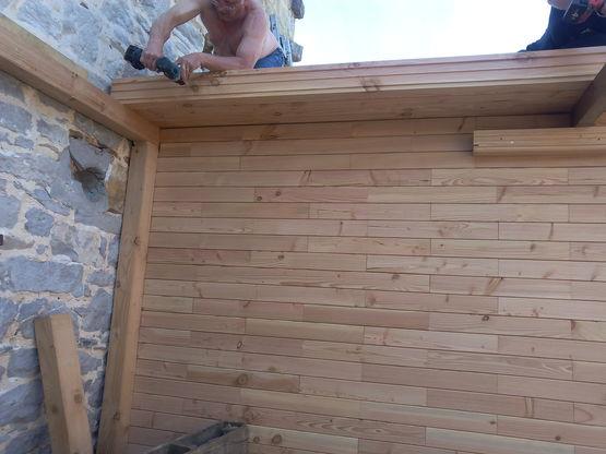 Parpaing en bois massif pour construction de dalle for Construction bois massif