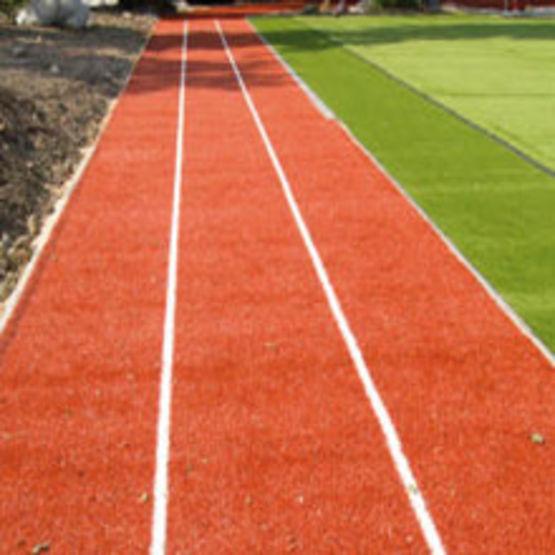 Pelouse synth tique pour piste d 39 athl tisme regesports for Combien demander pour tondre la pelouse