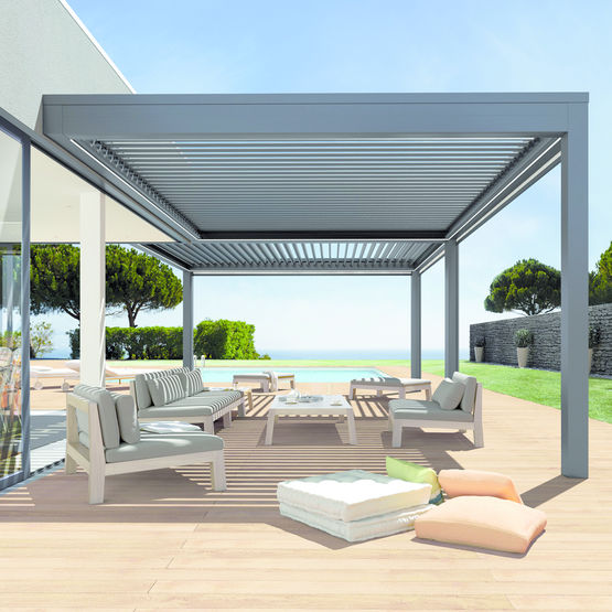pergola bioclimatique pour terrasses pergoklim soliso europe. Black Bedroom Furniture Sets. Home Design Ideas