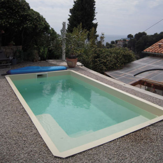 Piscine compacte coque polyester g n ration piscine for Fabricant piscine polyester