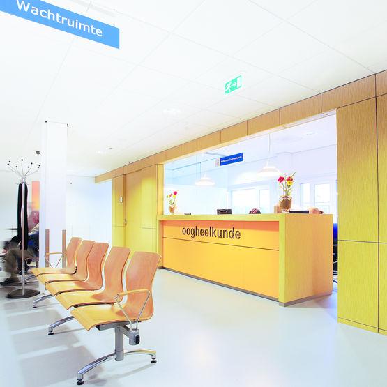 plafond acoustique en laine de roche pour milieux hospitaliers clini 39 care saint gobain. Black Bedroom Furniture Sets. Home Design Ideas
