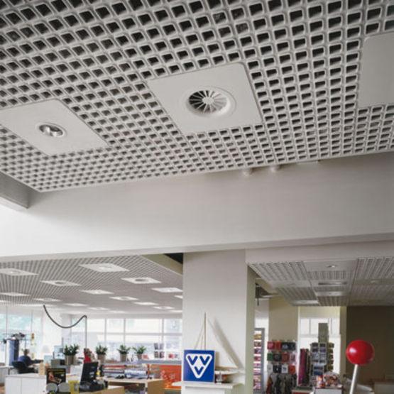 Plafond alv olaire pour salles de conf rence ou salles de for Materiel faux plafond