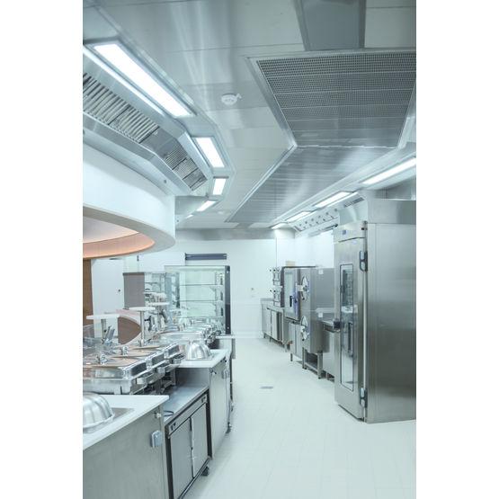 Plafond filtrant fermé pour cuisine professionnelle | Lumispace ...