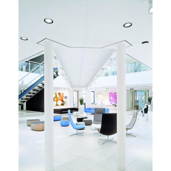 plafond suspendu acoustique pour espaces publics et commerciaux sierra op armstrong. Black Bedroom Furniture Sets. Home Design Ideas