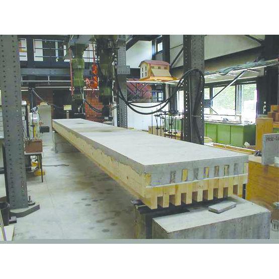 Plancher mixte bois b ton de grande port e d 39 dalle c b s concept bois structure for Construction en bois ou beton