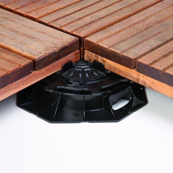plot de 40 140 mm de hauteur pour dalles de terrasses plot zoom 2 icopal siplast. Black Bedroom Furniture Sets. Home Design Ideas