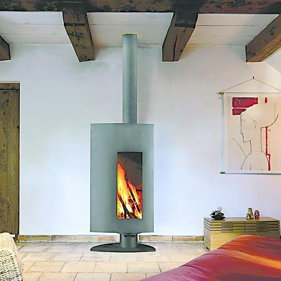 po le bois foyer pivotant chemin es focus. Black Bedroom Furniture Sets. Home Design Ideas