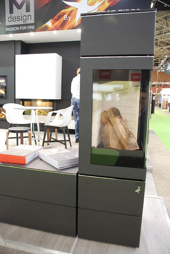po le bois d angle contemporain storch cuadrado vitre. Black Bedroom Furniture Sets. Home Design Ideas