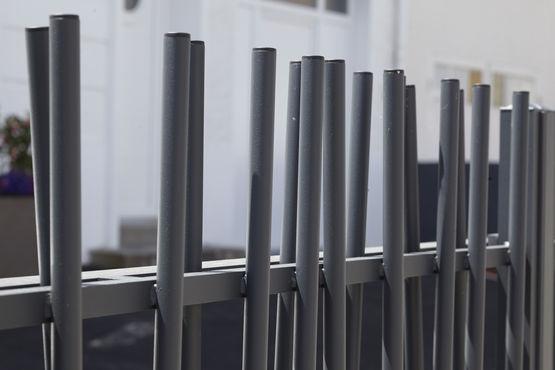 Portail aluminium battant ou coulissant sur mesure aux lignes pur es for Portail coulissant alu sur mesure