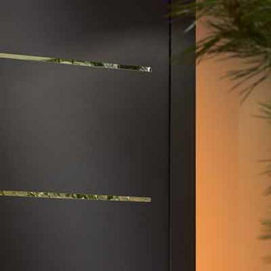 porte d 39 entr e aluminium inserts d coratifs effet miroir cotim 11 zilten. Black Bedroom Furniture Sets. Home Design Ideas