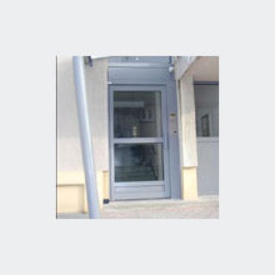 porte d 39 entr e d 39 immeuble sur pivot arenes gindro. Black Bedroom Furniture Sets. Home Design Ideas