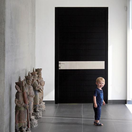 porte d 39 entr e en bois sur pivot pivot doors euradif. Black Bedroom Furniture Sets. Home Design Ideas