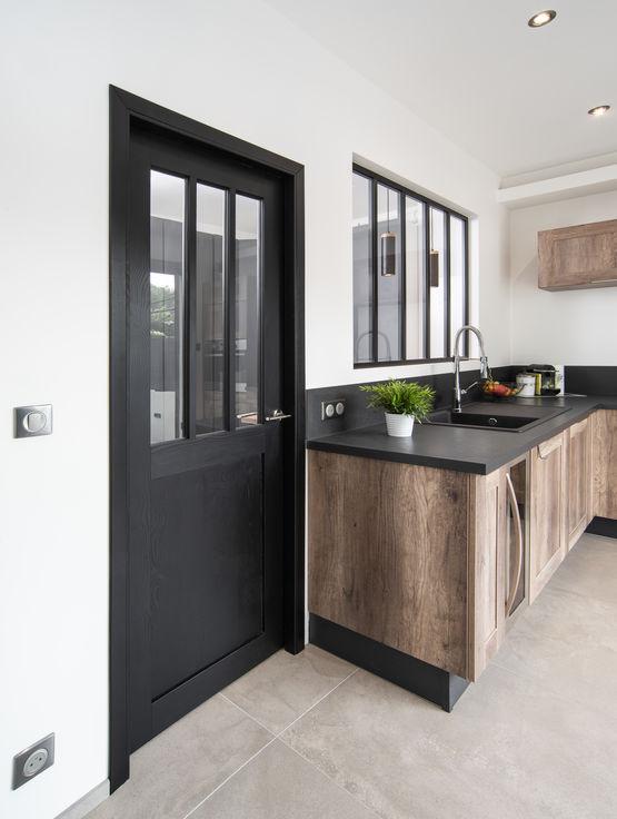 porte d 39 int rieur style verri re atelier rozi re. Black Bedroom Furniture Sets. Home Design Ideas