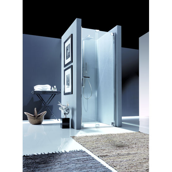 porte de douche pliante enti rement vitr e nubian. Black Bedroom Furniture Sets. Home Design Ideas