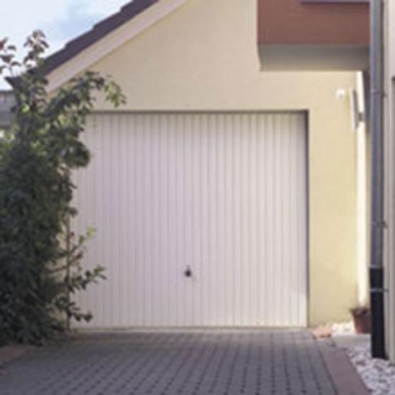 porte de garage basculante sans rail de guidage au plafond On rail de guidage porte de garage basculante