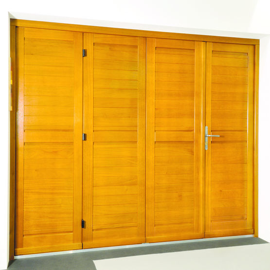 porte de garage en bois massif porte de garage accord on gpf fermetures. Black Bedroom Furniture Sets. Home Design Ideas