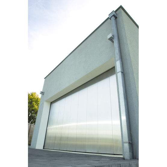 Porte sectionnelle lat rale pour garage avalon guttomat for Fabricant porte de garage sectionnelle
