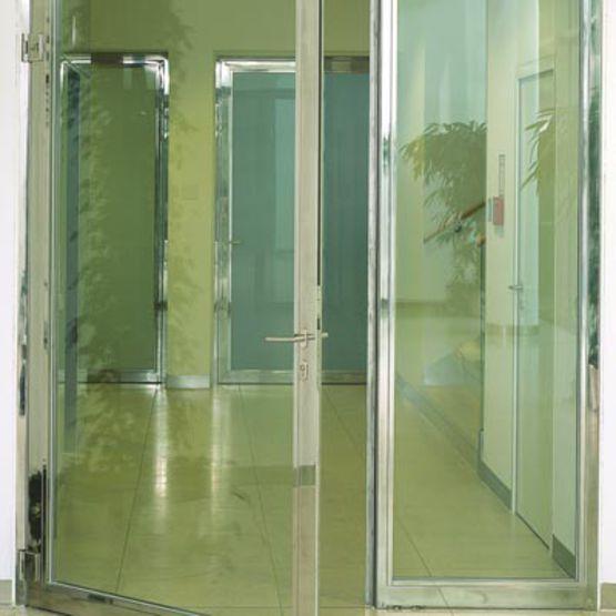 portes vitr es antieffraction en profil s acier et inox therm t r forster kdi. Black Bedroom Furniture Sets. Home Design Ideas