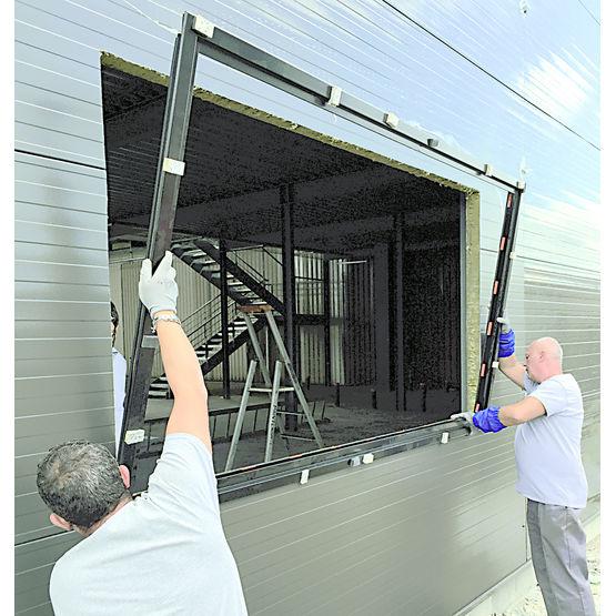 Pr cadre en acier pour panneaux sandwich pr cadre acier for Panneaux pour fenetre