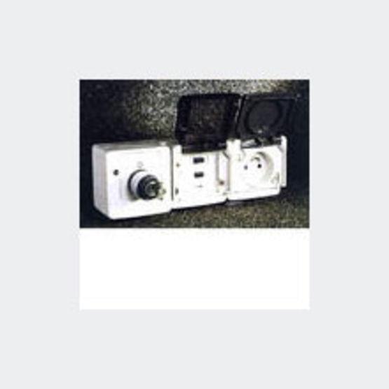 prises de courant associ es un module de protection diff rentielle electroguard prises de. Black Bedroom Furniture Sets. Home Design Ideas