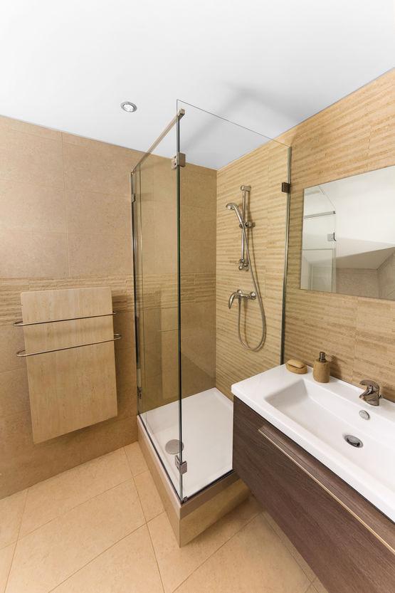 quincaillerie pour paroi de douche sans joints pvc. Black Bedroom Furniture Sets. Home Design Ideas