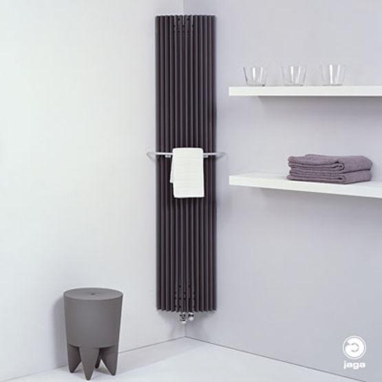 radiateur mural de forme tubulaire iguana jaga distribution france. Black Bedroom Furniture Sets. Home Design Ideas