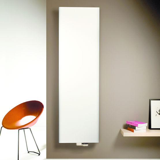 radiateur vertical laqu blanc vasco vasco group. Black Bedroom Furniture Sets. Home Design Ideas