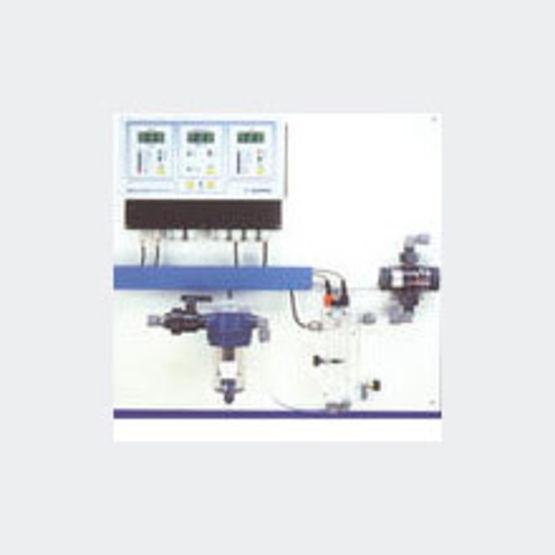 R gulateur automatique ph chlore piscines publiques for Regulateur ph piscine automatique