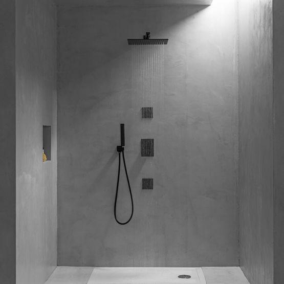 black elements robinetterie et accessoires de salle de bains. Black Bedroom Furniture Sets. Home Design Ideas