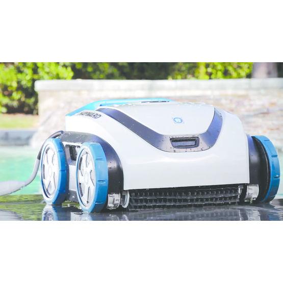 robot autonome pour nettoyage de bassins jusqu 39 12 m de longueur hayward pool europe. Black Bedroom Furniture Sets. Home Design Ideas