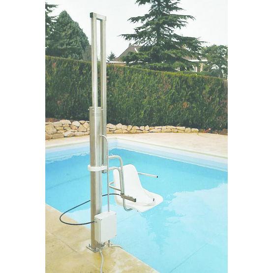 Si ge l vateur pour acc s aux piscines enterr es for Siege flottant pour piscine