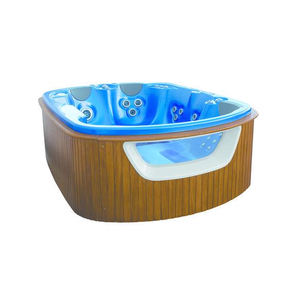 spa quatre places et une chaise longue spa 611 612 teuco. Black Bedroom Furniture Sets. Home Design Ideas