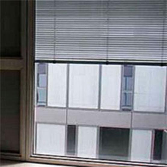 Stores v nitiens lames aluminium de 16 25 35 ou 50 mm for Store venitien exterieur aluminium