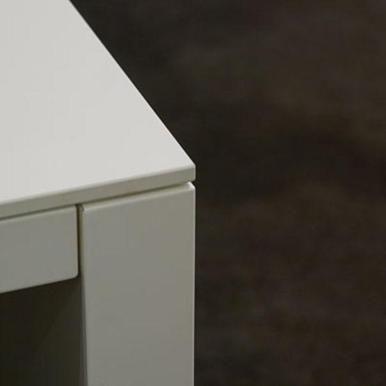 stratifi compact autoportant teint dans la masse full. Black Bedroom Furniture Sets. Home Design Ideas