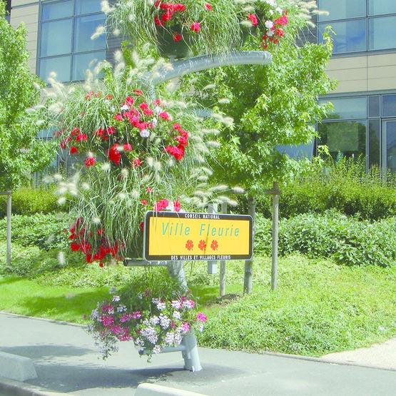 Structure de fleurissement pour entr e de ville atech for Entree pour recevoir