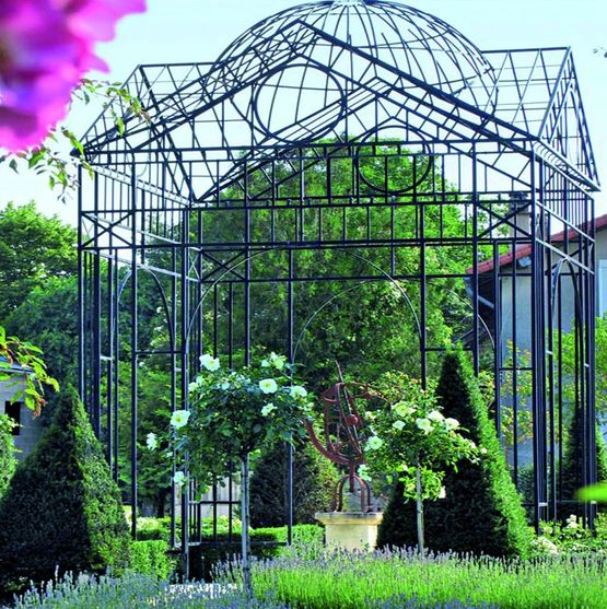 structure m tallique en gloriette pour plantes grimpantes gloriette pavillon classique m tal. Black Bedroom Furniture Sets. Home Design Ideas