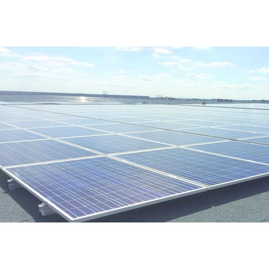 Structure pour la pose de panneaux solaires en toiture for Pose de panneaux solaires sur toiture
