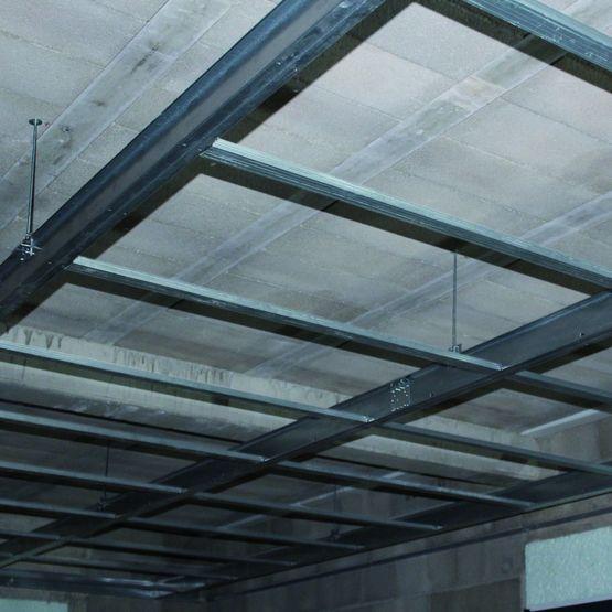 Ossature plafond placo elegant with ossature plafond placo excellent ossature plaque de platre - Plafond suspendu placo suspente ...