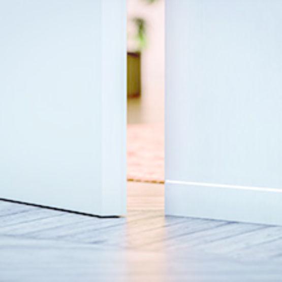 supports de plinthe affleurante eclisse. Black Bedroom Furniture Sets. Home Design Ideas